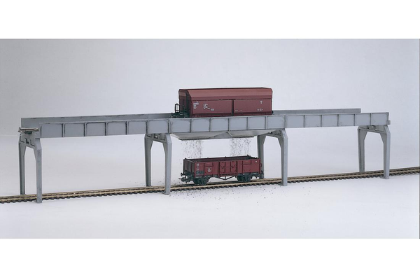 61122 Classic Line Unloading Bridge for Hopper Cars, Building Kit (HO-Scale)