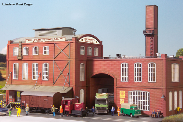 61144 Classic Line Weyermanss Malt Plant, Building Kit (HO-Scale)