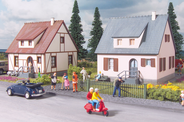 61145 Classic Line Neuburg Cottages, Building Kit (HO-Scale)