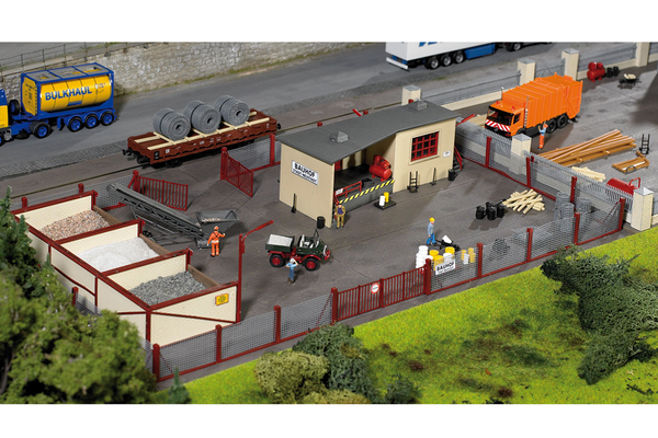 61153 Classic Line Neustadt Gravel Yard, Building Kit (HO-Scale)
