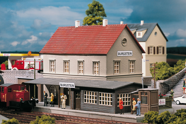 61820 Hobby Line Burgstein Station, Building Kit (HO-Scale)