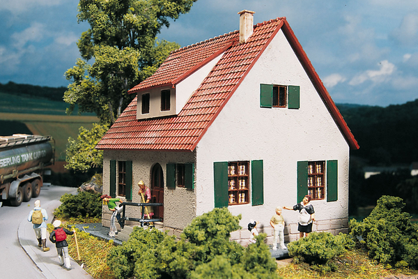 61826 Hobby Line House, Building Kit (HO-Scale)