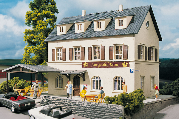 61830 Hobby Line Village Inn, Building Kit (HO-Scale)