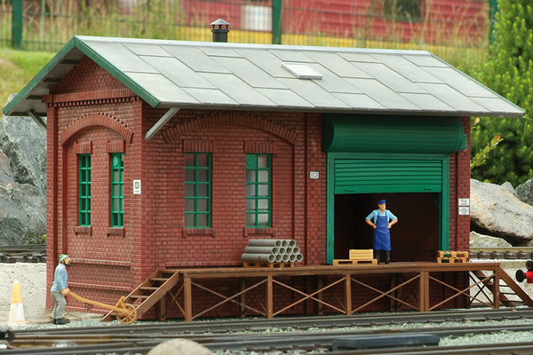 62008 Sonneberg Goods Depot Building Kit (G-Scale)