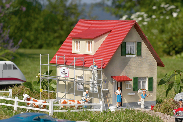 62072 House Under Renovation, Building Kit (G-Scale)