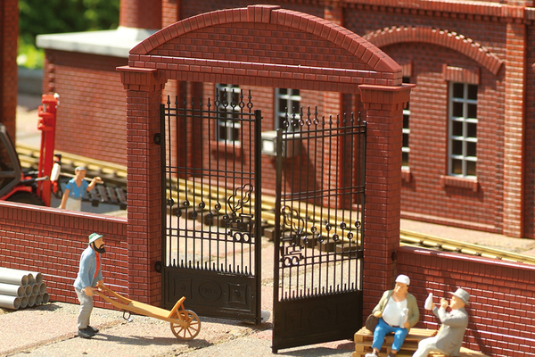 62289 Factory Gate (G-Scale)