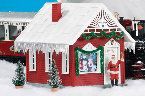 62703 Santa's House Built-Up Building (G-Scale)