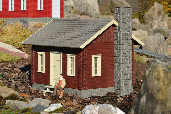 62716 River City Tommy's Cabin Built-Up Building (G-Scale)