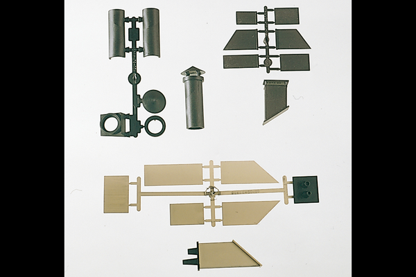 62812 Components: Chimneys Assorted (G-Scale)