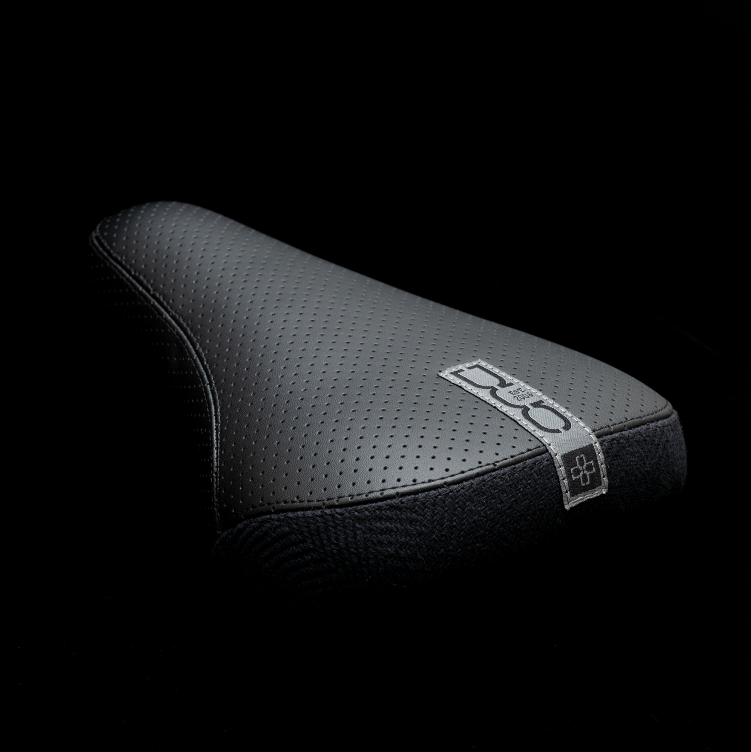 DUO Brand Tab Stealth Pivotal BMX Seat