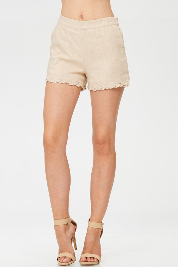 Solid Twisted Detailed Shorts With Pockets