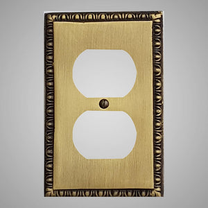 1 Gang Duplex Outlet Wall Switch Plate - Egg & Dart Design