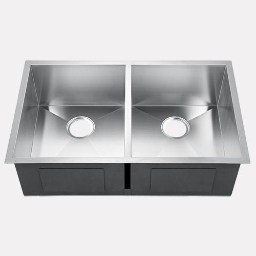 "33"" Fawsley Stainless Steel Double-Bowl Undermount Sink"