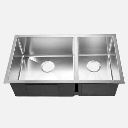 "33"" Luton Stainless Steel Offset Double-Bowl Undermount Sink"