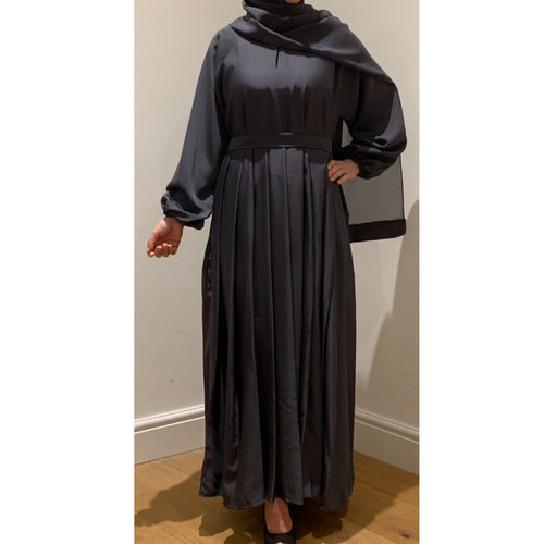 PLEATS ABAYA DARK GREY