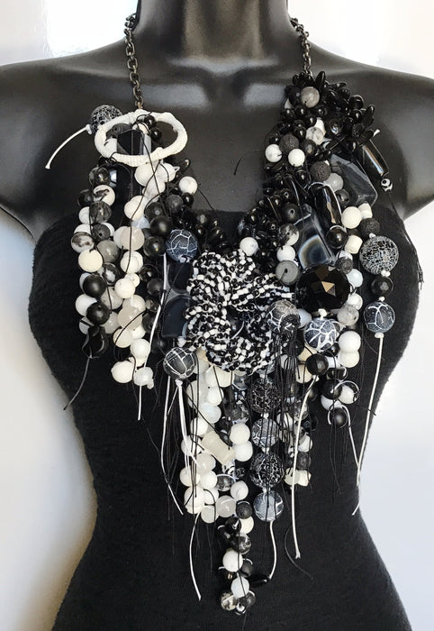 Black and white Yang Yang gemstone necklace