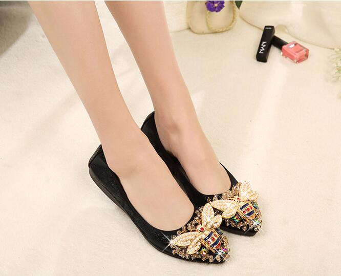 Designer Crystal Woman Flat Elegant Comfortable Fashion Rhinestone Soft Bees Shoes