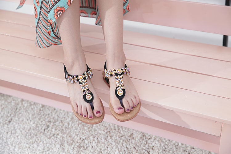 Women Buckle Strap Luxurious Crystal Chain OpenToe Fashion Flat Sandals