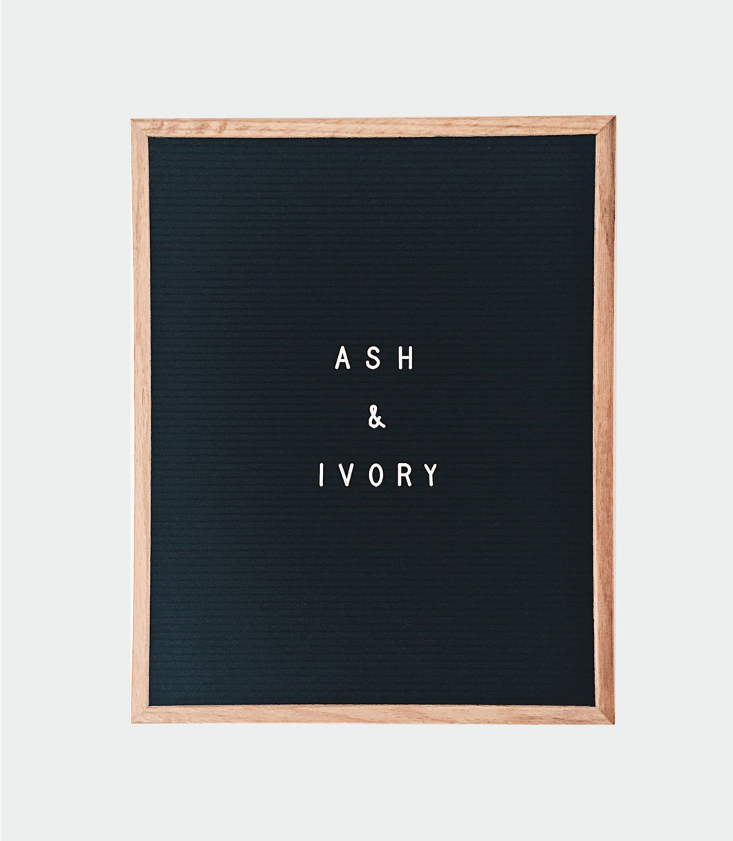 16x20 LETTER BOARD with 296 piece white letters