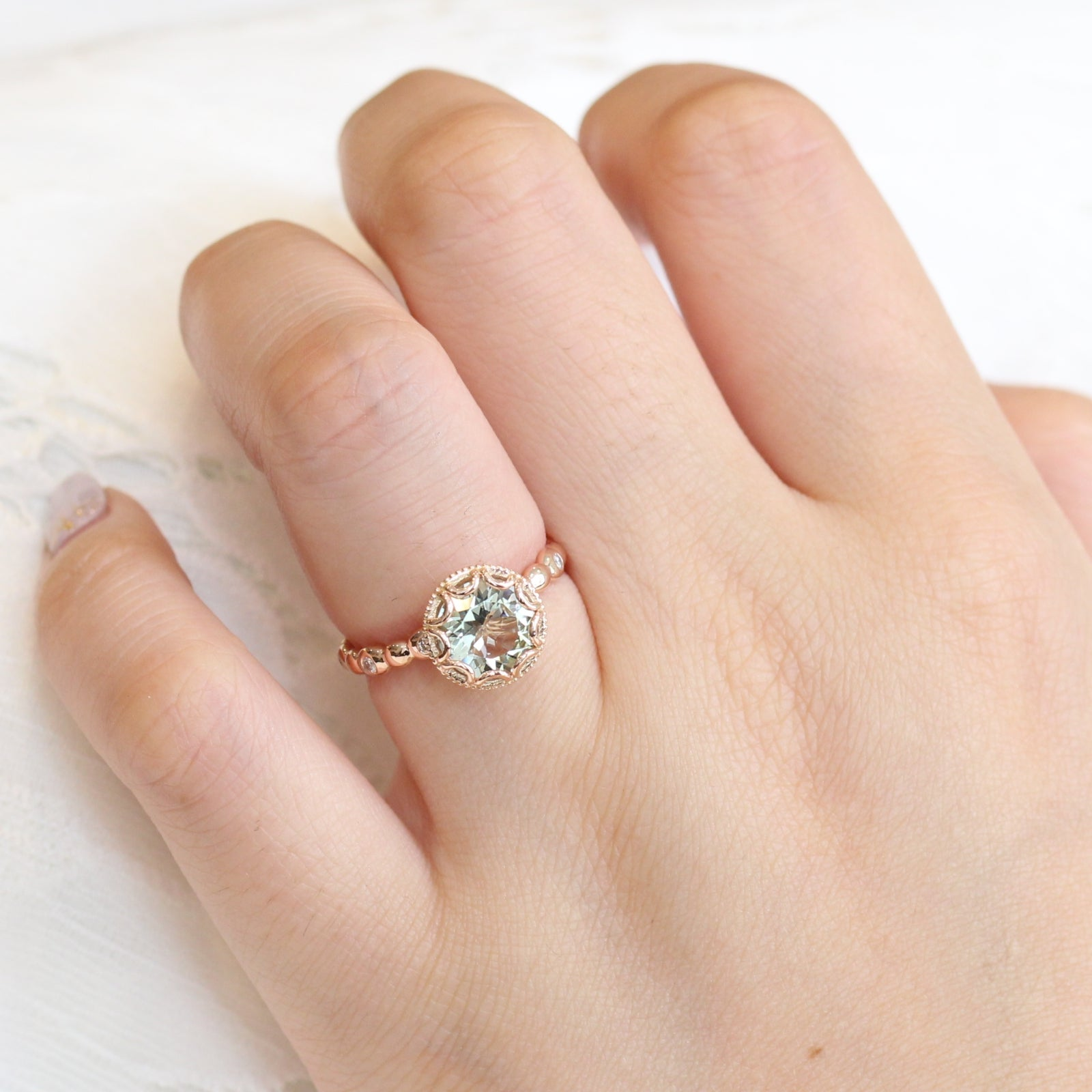 f1a598e253e11 Floral Solitaire Ring in Pebble Band w/ 8mm Green Amethyst and Diamond