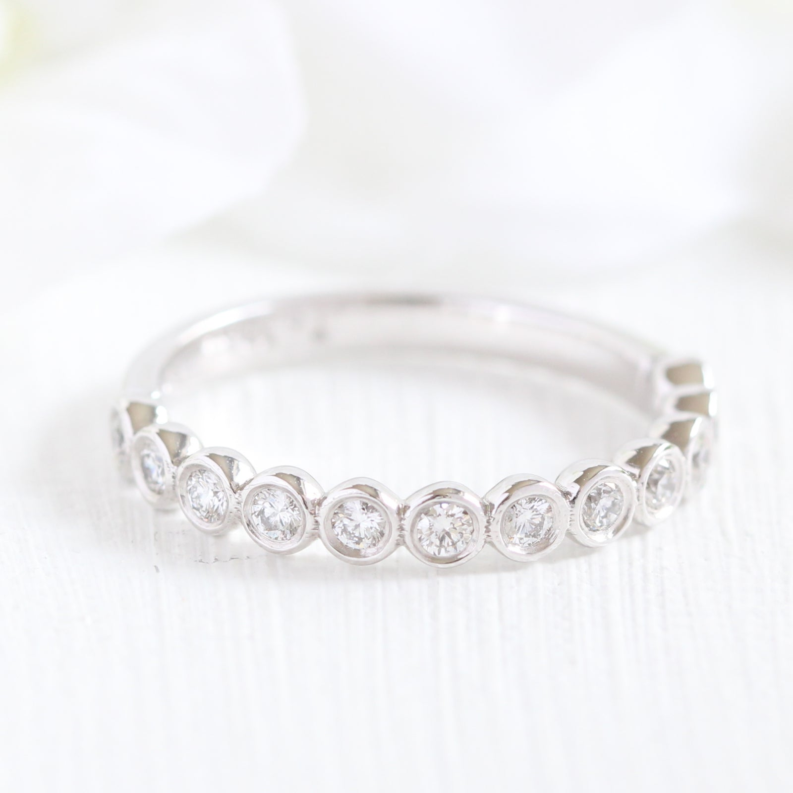 better and si band gold bands color eternity in h ring stackable white diamond set bezel i clarity