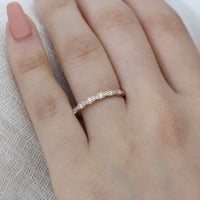 Scalloped diamond wedding band in yellow gold by la more design
