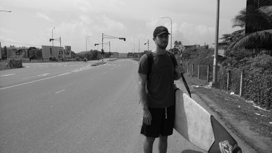 Joe Santini waiting for bus to Arugam Bay