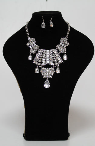 Shining Crystal and Glass Necklace