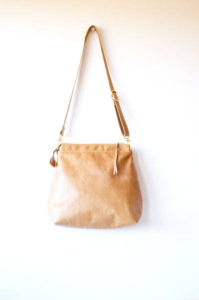 Leather hobo Hazlenut 4.jpg