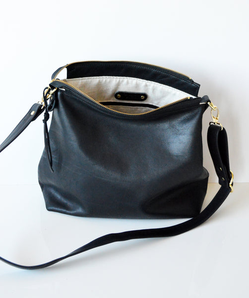 Leather hobo Black 2.jpg