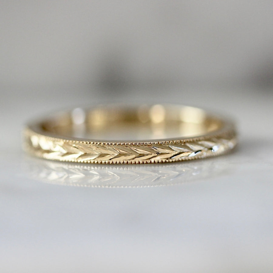 Avec Les Filles Engraved Band in Yellow Gold