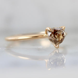 Stella Round Green Sapphire Ring in Peach Gold
