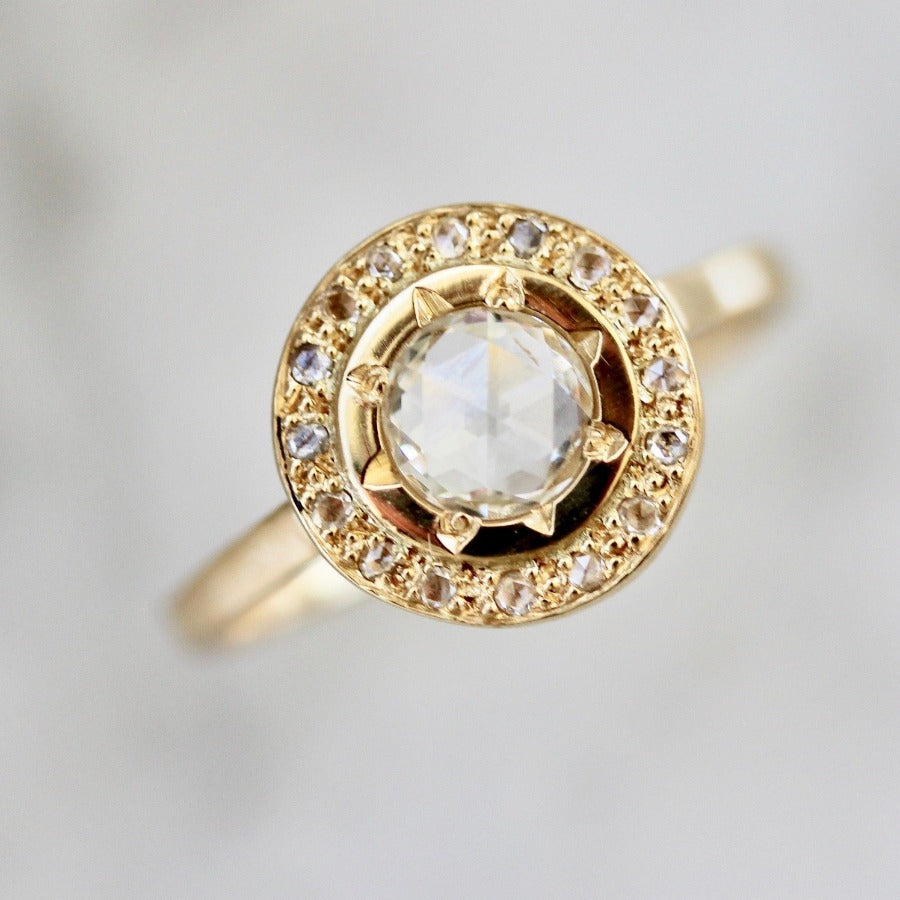 Regency White Round Rose Cut Diamond Ring in Yellow Gold