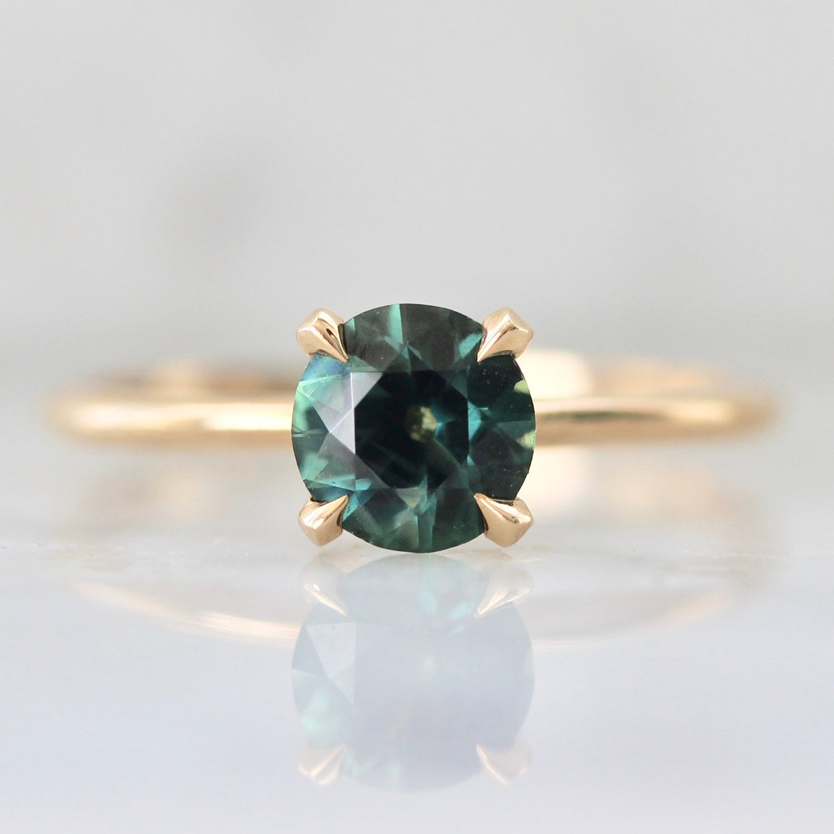 1.00 Carat Stella Peacock Green Sapphire Ring in Peach Gold®