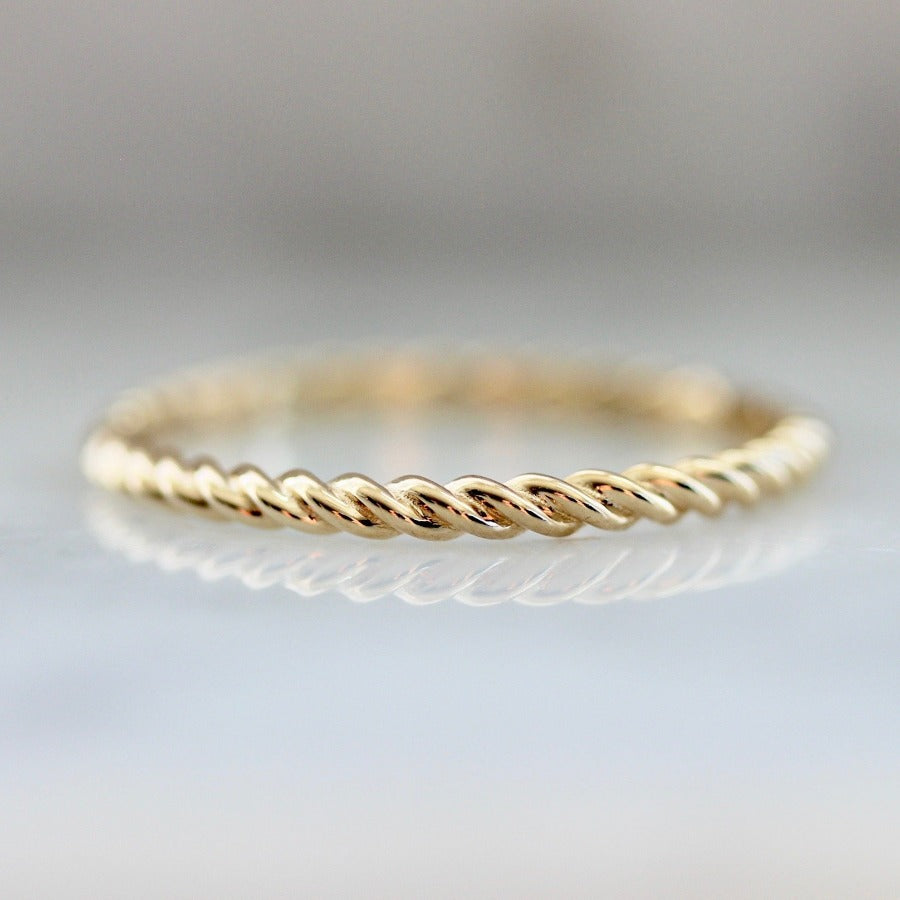 Rope Fine Gold Band