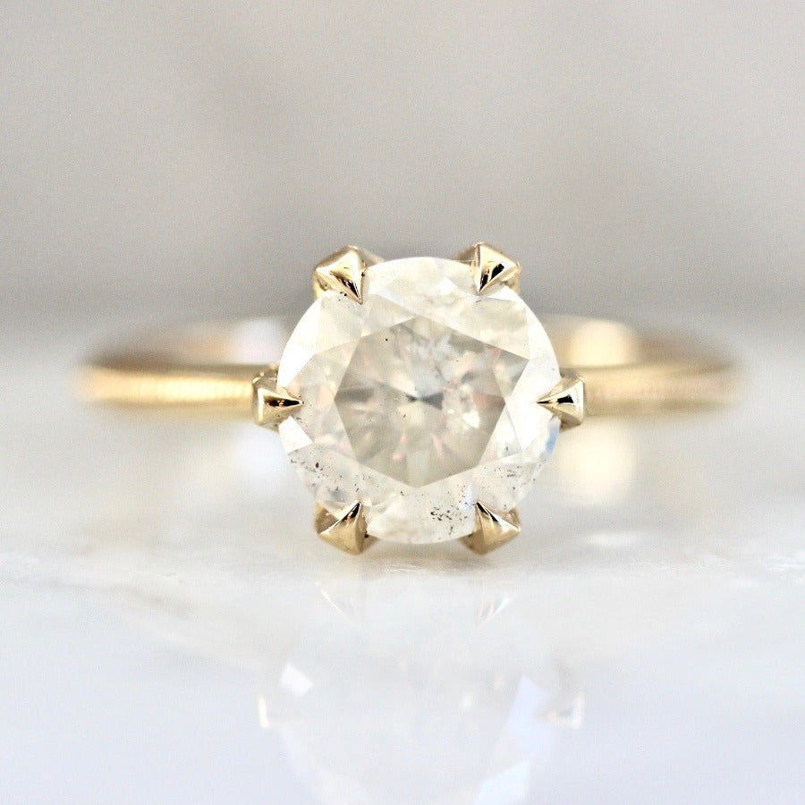 Viola Icey Round Brilliant Cut Diamond Ring in Yellow Gold