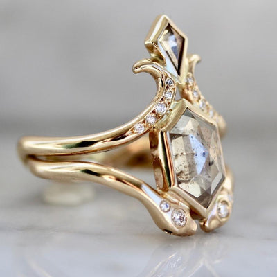 Army Of Rokosz Ring Current Ring Size - 6 Nagini Goddess Hexy Cut Diamond Ring