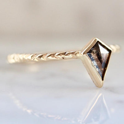 Army Of Rokosz Ring Luna Black Diamond Kite Ring
