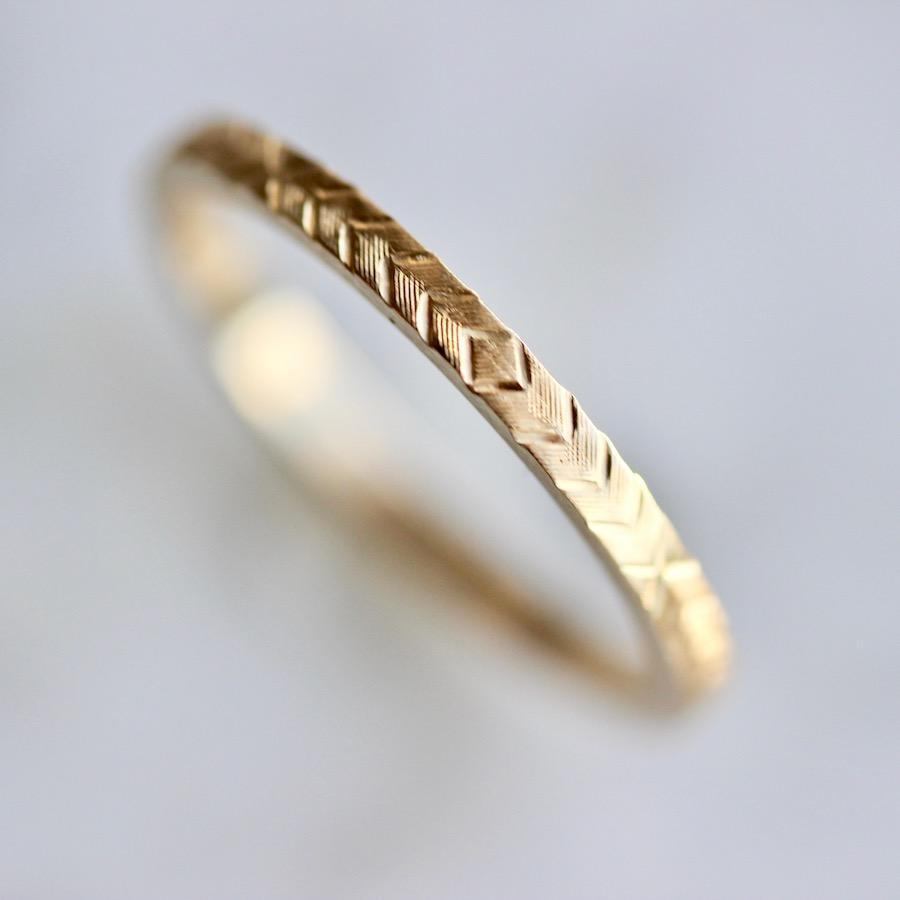 Gem Breakfast Bespoke Ring Wheat Engraved Gold Band