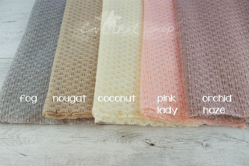'Nora' stretch wrap