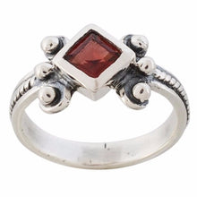 Arvino Adorable 925 Sterling Silver Ring With Garnet Gemstone-Arvino Online