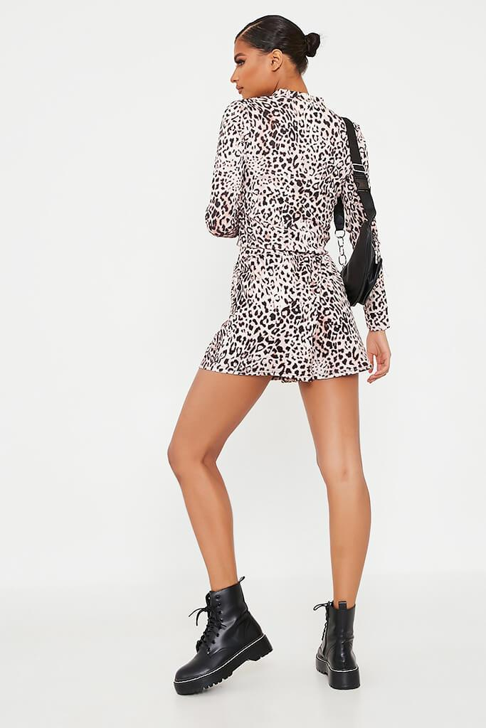 Leopard Printed High Waisted Loose Fit Shorts view 5