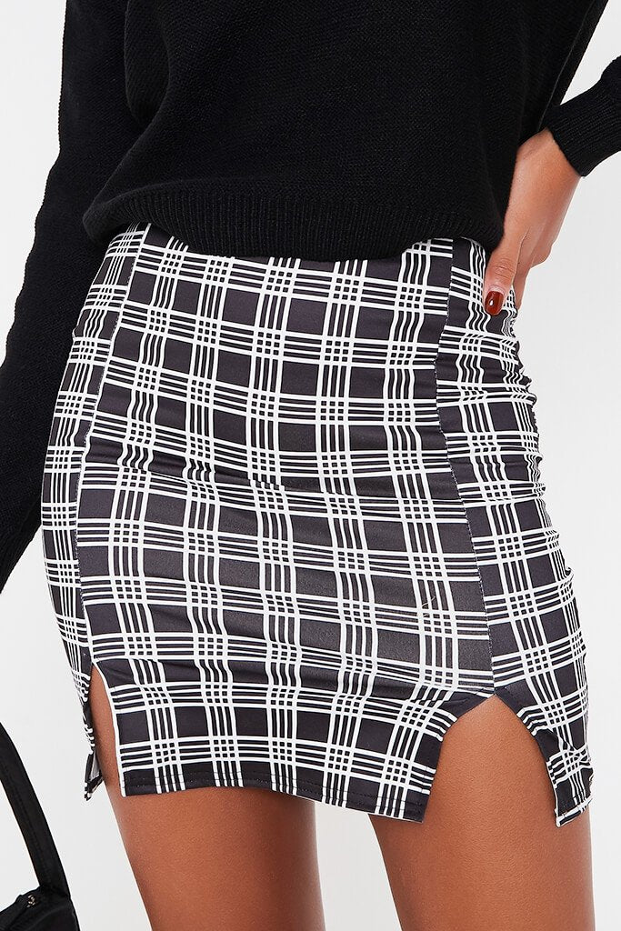 Black Double Notch Front Check Print Mini Skirt view 5