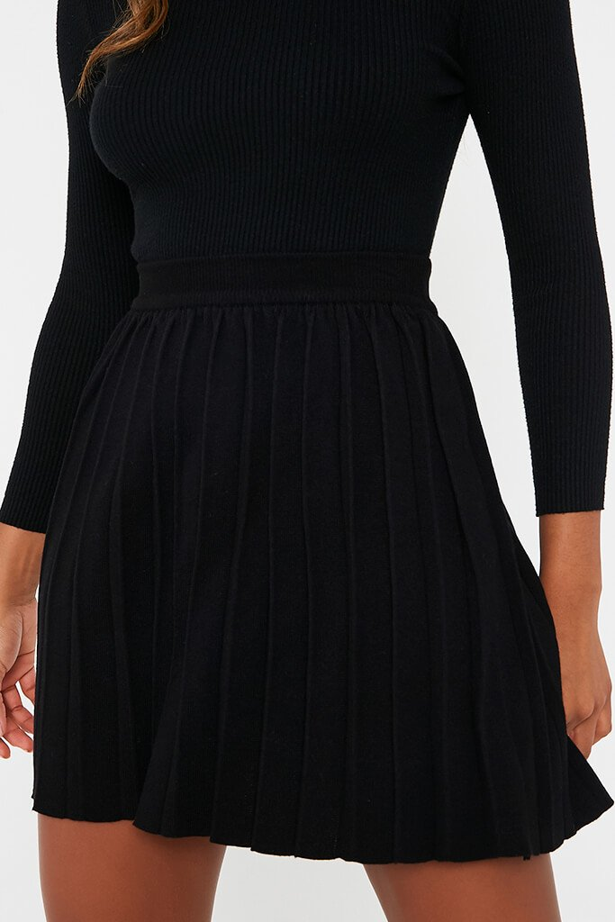 Black Knitted Tennis Skirt view 5