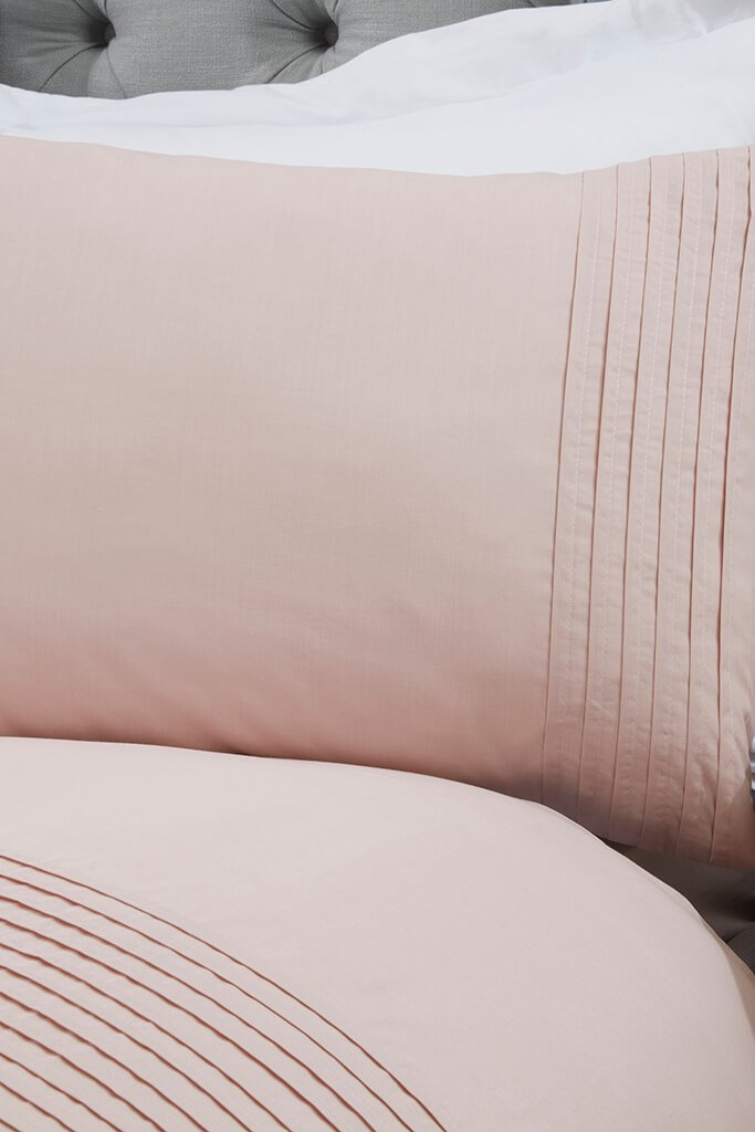 Blush Pink Double Set Pintuck Bedding view 2