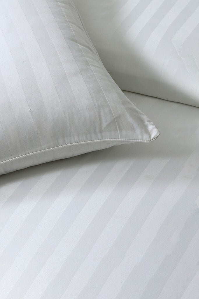 White Double Satin Stripe Bedding Set view 2