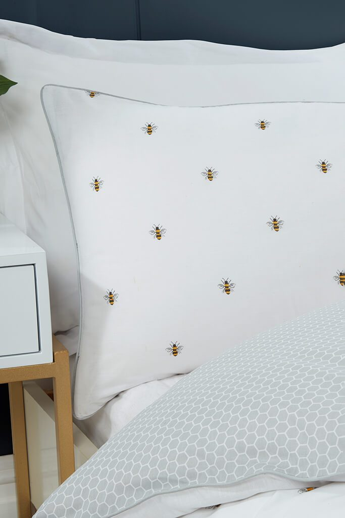 Multi King Size Bumble Bee Bedding Set view 2