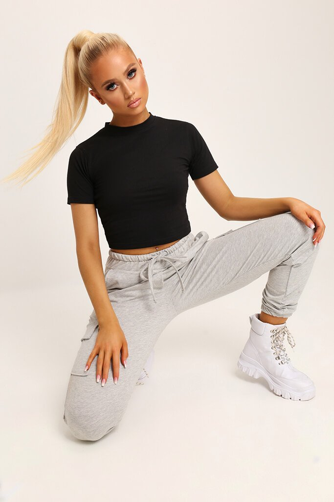 Black Fitted Cotton Crop T-Shirt