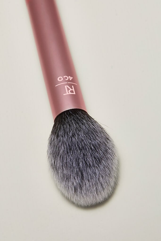 Real Techniques Blush Finish Make-Up Brush view 2