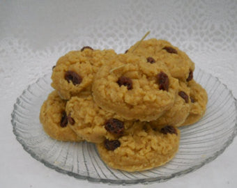 Oatmeal Raisin Cookie Scented Fake Food Candle
